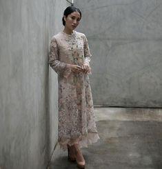 Kebaya Lace, Kebaya Dress, Dress Pesta, Hijab Gown, Hijab Dress Party, Dress Brukat, Lace Dress, Pakistani Fancy Dresses, Kebaya Modern Dress