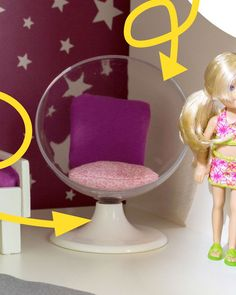 Build Barbie furniture yourself – Stylish armchair from IKEA picture frames! - Home Page Barbie Doll House, Barbie Toys, Barbie Dream House, Barbie Clothes, Barbie House Furniture, Doll Furniture, Dollhouse Furniture, Ikea Picture Frame, Accessoires Barbie