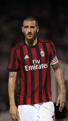 For those who are living under a rock, this just happened in the summer of 2017-18 Bonucciiiiiii is the captain of ACMilan