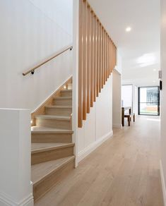 Gorgeous 45 Modern Stairs Design Ideas With Incredible Style To Have Asap. Staircase Design Modern, Modern Railing, Stair Railing Design, Home Stairs Design, Modern Stairs, Interior Stairs, House Design, Railing Ideas, Interior Architecture