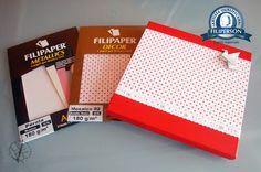 Eu tive uma idéia: como transportar miniaturas? Claro, em caixas customizadas com o lindos papéis Decor da Filiperson. Aqui eu começarei com uma série de postagens: caixas e origaminis. A primeira caixa que customizei foi a vermelha, com o papel Decor O papel está à venda na loja virtual, é só acessar: www.lojafilipaper.... Abraços Dobrados Minis, hahaha. 1m