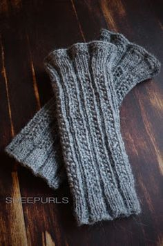 SHEEPURLS: Und noch mal warme Hände Crochet Gloves Pattern, Knit Crochet, Magic Loop, Fingerless Mitts, Knit Mittens, Pinterest Blog, Knitting Needles, Hand Warmers, Blogger Themes