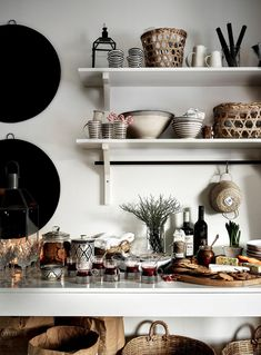 〚 Cozy holidays on a budget: Scandinavian cottage in Finland 〛 ◾ Photos ◾Ideas◾ Design Scandinavian Cottage, Cute Cottage, Interior Decorating, Interior Design, Beautiful Interiors, Christmas Home, Kitchen Accessories, Kitchenware, Interior Inspiration