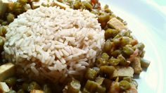 #vegan #veggie #arroz #habichuelas #tofu #tomate #cebolla #aceiteDeOliva #ajo #chiliSeco #lecheDeAlmendras