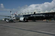 Beautiful ANZ Triple Seven and Beech Air New Zealand, Come Fly With Me, Aircraft Pictures, New Opportunities, Cool Things To Make, Airplane, Planes, Fighter Jets, Aviation