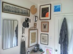 Orlando is my hero, I want a ton of art in my bathroom. Via Hommemaker, the funniest home blog EVER.