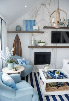 Any fans of HGTV's Drew and Jonathan Scott out there? (Me, me!) You might recognize this one from Brother Vs. Brother! Houston-based interior designer Beth Lindsey was the lead designer on th…