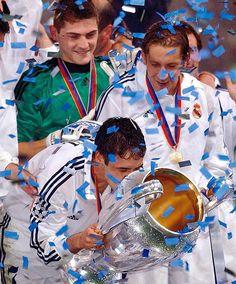 _Raúl, Casillas and Salgado Champions League winners Best Football Players, Football Soccer, Madrid Wallpaper, Real Madrid Football, Sport Icon, Isco, Gareth Bale, Cristiano Ronaldo, Champions League