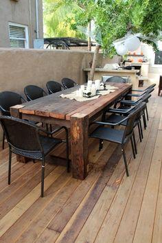 Rustic Outdoor Patio Table Design Ideas On A Budget 45 Diy Garden Furniture, Diy Outdoor Furniture, Rustic Furniture, Furniture Sets, Furniture Design, Outdoor Decor, Table Furniture, Outdoor Tables, Wooden Outdoor Table