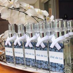 Lembrancinhas do chá de cozinha de uma noivinha muito especial! Não ficaram lindas? #carsprays #chádalu #chádecozinha #lembrancinhas #diessenza #aromas