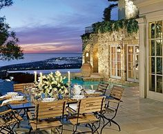 If you are looking for new porches design ideas, we got a full image gallery from top outdoor patios designers. Outdoor Rooms, Outdoor Dining, Outdoor Gardens, Outdoor Furniture Sets, Outdoor Decor, Hanging Gardens, Porches, Beautiful Space, Beautiful Homes
