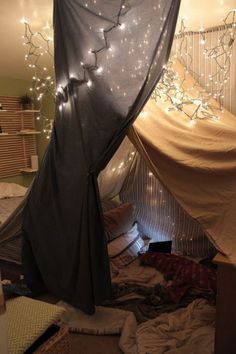 Bedroom Fort Romantic that Will Make Your Dreams Come True Sleepover Fort, Fun Sleepover Ideas, Girl Sleepover, Girls Bedroom, Bedroom Decor, Bedroom Furniture, Furniture Design, Bedrooms, Indoor Forts