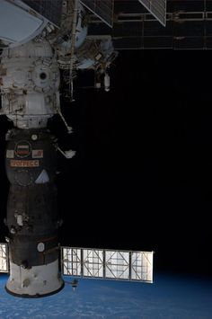 W/ departure of #ATV4, aft docking port empty. We move our Soyuz there Fri making room for @AstroRM & @Astro_Wakata pic.twitter.com/lpatsjbAoA
