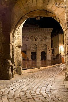 """Mezquita del Cristo de la Luz, is the only surviving building in Toledo built before the Christian Reconquista. Constructed ib the 10th-century, its columns support arches inspired by the mosque at Córdoba. The Emirate was also responsible for the """"hammams"""" (arab baths) on Calle del Angel. TOLEDO."""