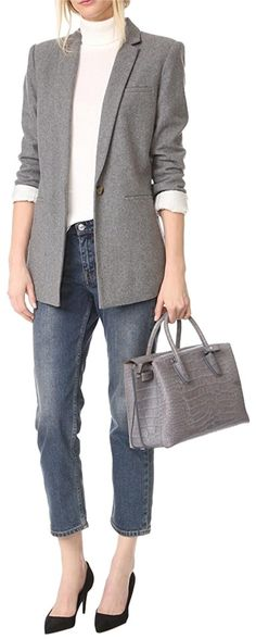 Save on the MCM Milla Medium Croc Embossed Satchel/Tote Grey Leather Satchel! This satchel is a top 10 member favorite on Tradesy. Over 50 Womens Fashion, Fashion Over 40, Fall Fashion, Business Casual Jeans, Sweaters And Jeans, Classic Outfits, Everyday Outfits, Clothes For Women, How To Wear