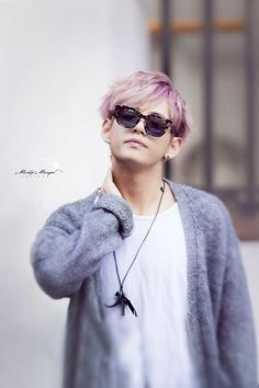 V war of hormone era- slightly purple hair