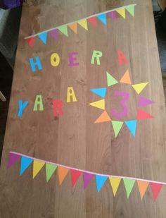 Manon heeft haar tafel feestelijk gezield. Gefeliciteerd Yara! www.tafelziel.nl