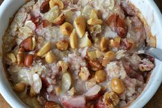 Super Healthy Sunday: Baked Oats met kokos en aardbei - OhMyFoodness Baked Oats, Overnight Oats, Hawaiian Pizza, Puddings, Oatmeal, Healthy Recipes, Healthy Food, Paleo, Low Carb
