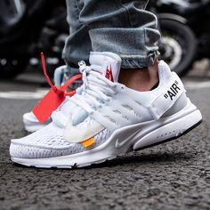 White Nike Air presto with off White coll. Nike shoes for street Urban / Streetwear fashion style Best Sneakers, White Sneakers, Sneakers Fashion, Fashion Shoes, Sneakers Nike, Mens Fashion, Running Sneakers, Cheap Fashion, Fashion Outfits