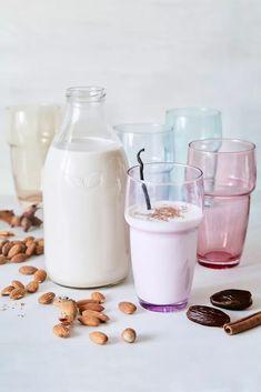 Cocktails, Drinks, Granola, Glass Of Milk, Smoothie, Food, Craft Cocktails, Drinking, Beverages