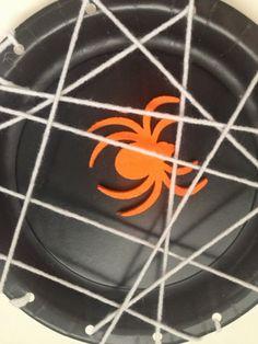 Halloween Kids Craft: Spider Web Plates