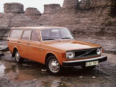 Specs, photos, engines and other data about VOLVO 145 1967 - 1974 Volvo Wagon, Volvo Cars, Volvo Auto, Ford Motor Company, Volvo Estate, Vintage Cars, Antique Cars, Volvo S80, Jeep Wagoneer