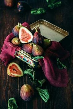 Delicious blue red Figs