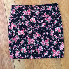 Forever21 body con skirt Rose soft material skirt Forever 21 Skirts Mini