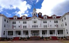 The Stanley Hotel, Estes Park - one of the most haunted hotels in America! This hotel is so haunted, it was chosen as the set for The Shining! Scary Places, Haunted Places, Abandoned Places, Creepy Things, Haunted Hotel, Most Haunted, Places To Travel, Places To See, Places Ive Been