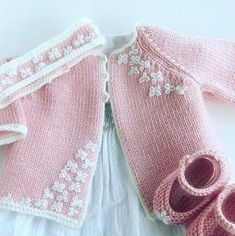 Knitting For Kids, Crochet For Kids, Baby Knitting, Crochet Baby, Knit Crochet, Knitted Baby, Baby Patterns, Knitting Patterns, Tricot Baby
