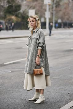 The Best Street Style Looks From New York Fashion Week Fall 2019 - Fashionista London Fashion Weeks, Fashion Week Paris, New York Fashion Week Street Style, Cool Street Fashion, Street Chic, Seoul Fashion, Fashion 2018, Fashion Fashion, 30 Outfits