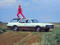 "crazyforcars: ""Oldsmobile Vista Cruiser. """