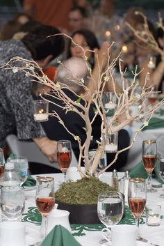 Looking for Tree Branch Centerpieces - Wedding Classifieds Manzanita Tree Centerpieces, Manzanita Branches, Tree Branches, Wedding Centerpieces, Wedding Tables, Floral Centerpieces, Floral Arrangements, Black Christmas Tree Decorations, Rama Seca