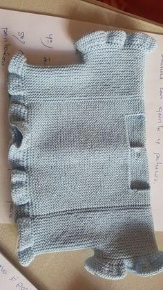 """Diy Crafts - tutorial y patrón para hacer v """"This post was discovered by Susana. Discover (and save!) your own Posts on Unirazi. Knitted Baby Cardigan, Toddler Sweater, Baby Pullover, Crochet Vest Pattern, Baby Knitting Patterns, Knit Crochet, Baby Patterns, Diy Crafts Knitting, Knitting For Kids"""
