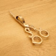 Vintage Candle Snuffer Scissors Solid brass put out by UKAmobile
