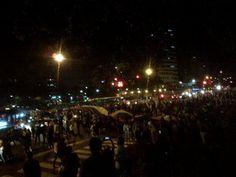 Altamira, Caracas #21M la gente sigue saliendo a la calla pese a estar militarizada.