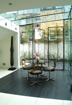 Glass Room Design Ideas, Pictures, Remodel, and Decor Glass Extension, Extension Designs, Side Extension, Elegant Dining Room, Dining Room Design, Kitchen Design, Kitchen Decor, Decorating Kitchen, Dining Area