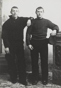 Twee mannen in streekdracht Noordwijk aan Zee. #ZuidHolland #Noordwijk