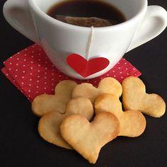 Biscoitinhos prontos em 30 minutos para adoçar o café da tarde