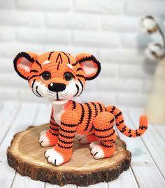 Crochet Animal Amigurumi, Crochet Amigurumi Free Patterns, Crochet Animal Patterns, Crochet Bear, Crochet Doll Pattern, Stuffed Animal Patterns, Cute Crochet, Amigurumi Doll, Crochet Dolls