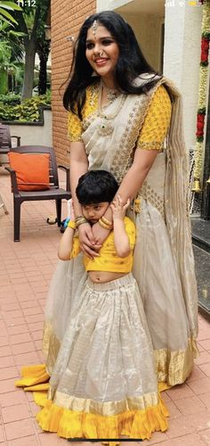 Mom Daughter Matching Dresses, Mom And Baby Dresses, Dresses Kids Girl, Kids Outfits, Kids Lehenga, Baby Lehenga, Half Saree Designs, Blouse Designs, Baby Dress Tutorials
