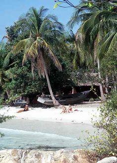 Koh Samet Thailand best best beaches near Bangkok Koh Samet, Bangkok Travel Guide, Destinations, Honeymoon Planning, Vientiane, Travel Guides, Sri Lanka, Laos, Places To See