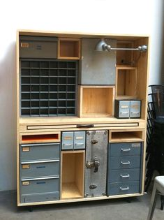 Awesome and garage organization hacks. Clean up your backyard and garage area wi. Awesome and garage organization hacks. Clean up your backyard and garage area wi… Awesome and ga Small Garage Organization, Home Office Storage, Garage Storage, Tool Storage, Locker Storage, Craft Storage, Small Garage Ideas, Rolling Storage, Cabinet Storage