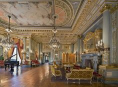 The Breakers music room. What a wonderful room, the ceiling the lighting and way it is designed is just perfect for relaxiing with music don't you think...