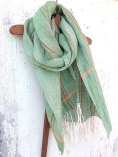 手染め・手織り リネン100%ストール グリーン×ポイントストライプ