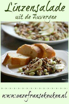 Een linzensalade uit de Auvergne. Linzen, appel, bleekselderij, walnoot, Roquefort, sjalotje en een vinaigrette erover. That's it. Puur en simpel, zonder poespas.