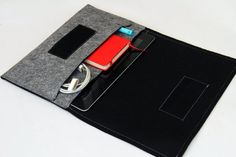 iPad mini Sleeve / iPad mini Case / iPad mini Cover / iPad mini Organizer - Gray & Black - Weird.Old.Snail