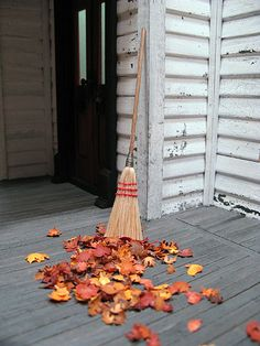 The Haunted Heritage - a pictorial recap THAT'S what I need to do with the porch!! Make it planked and put leaves!!