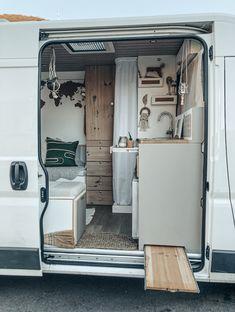 Travel Camper, Bus Camper, Camper Life, Diy Van Interior, Motorhome, Kangoo Camper, Converted Vans, Kombi Home, Van Home