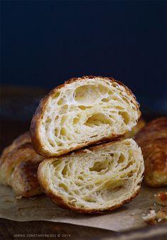 French croissants – o reteta complexa si cateva secrete pentru obtinerea unui croissant autentic
